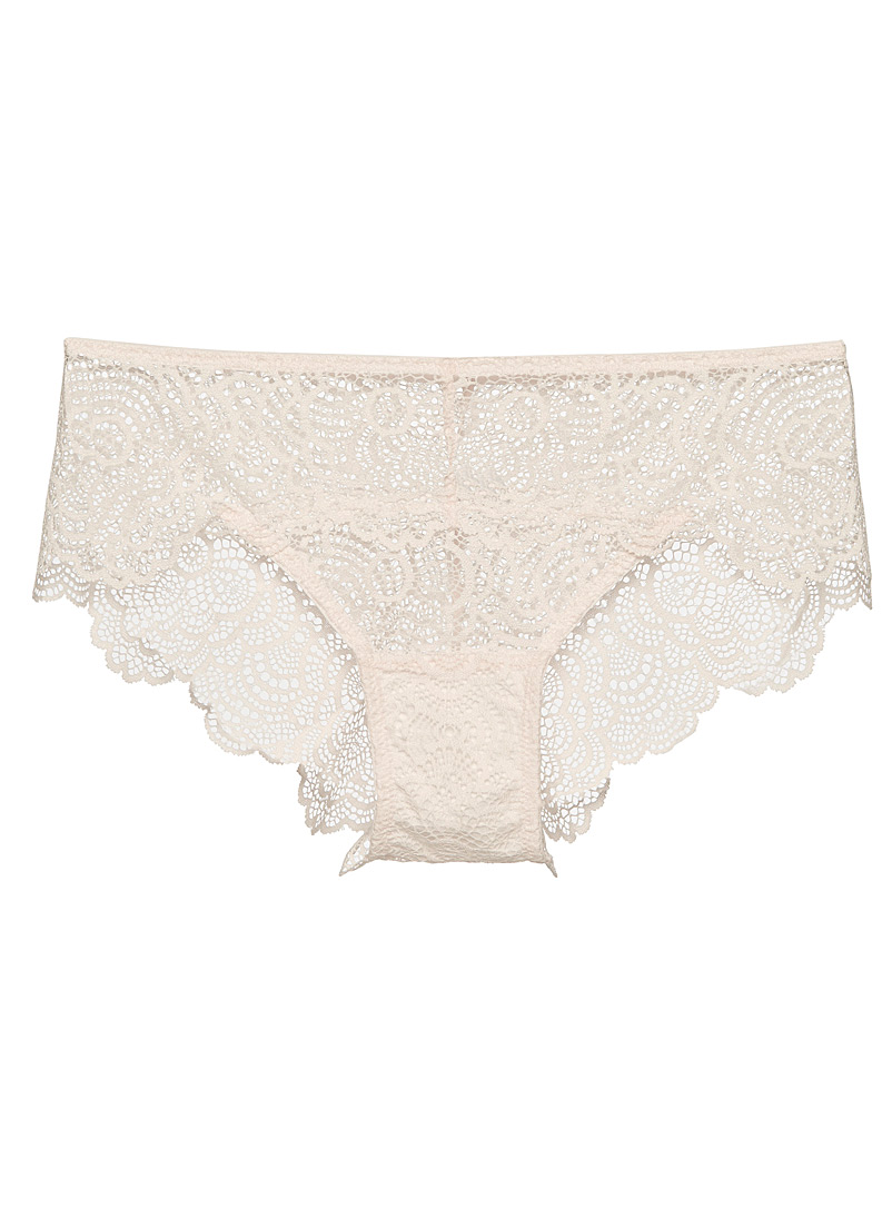 Scalloped lace Brazilian panty
