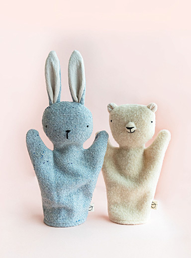 Rabbit and bear puppet duo