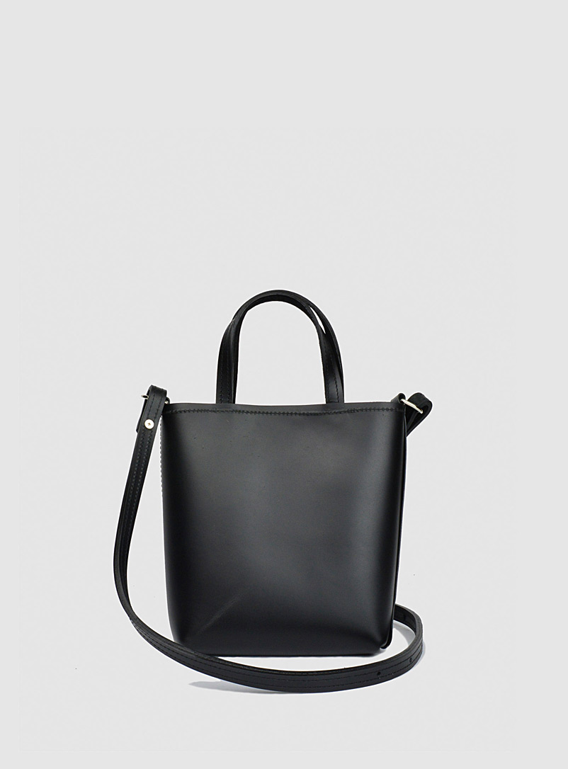 Sonya Lee Black Leather handle Quarter Yuliana bag