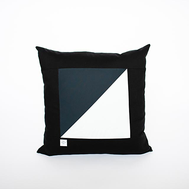 night-story-cushion