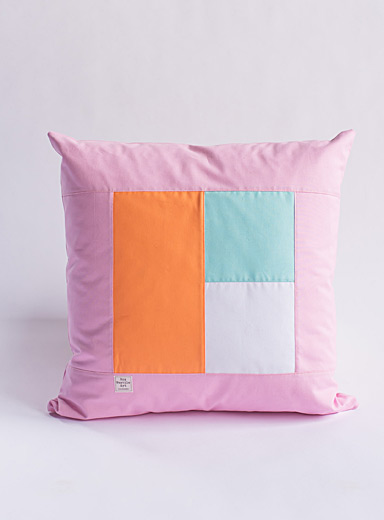 Cubic trio cushion