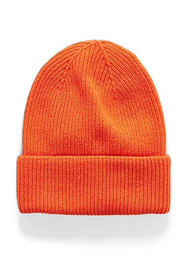 Ribbed roll-up cuff tuque