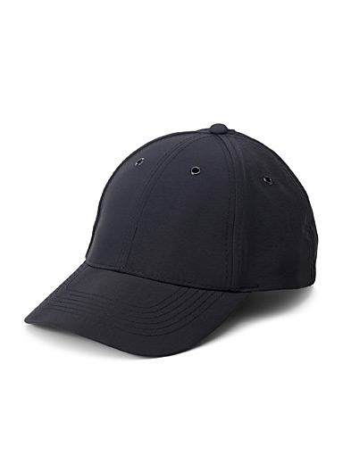 Le 31 Black Solid cap for men