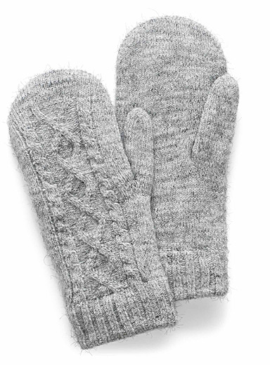 Twisted-knit mittens