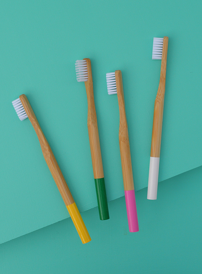 bamboo-toothbrush-set