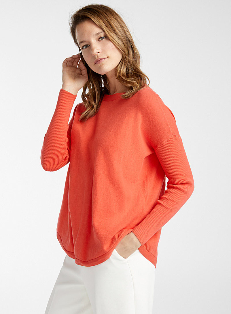 le-pull-arrondi-manches-cotelees
