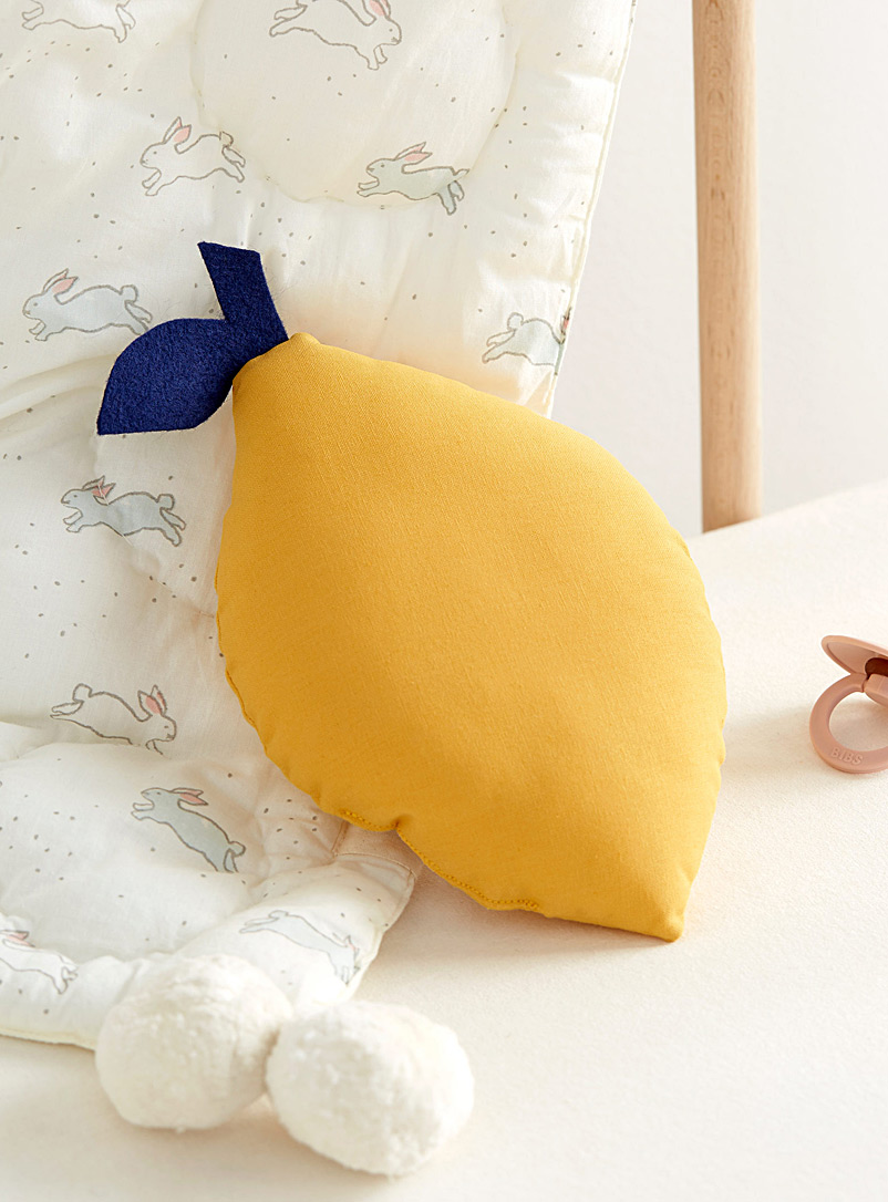 small-yellow-lemon-cushion