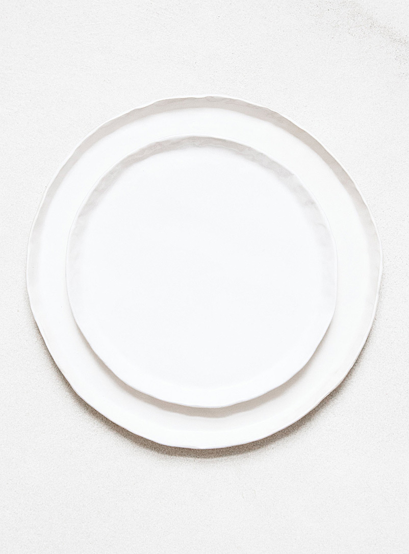 Lookslikewhite: Les assiettes à salade bordure vague  Ensemble de 2 Blanc