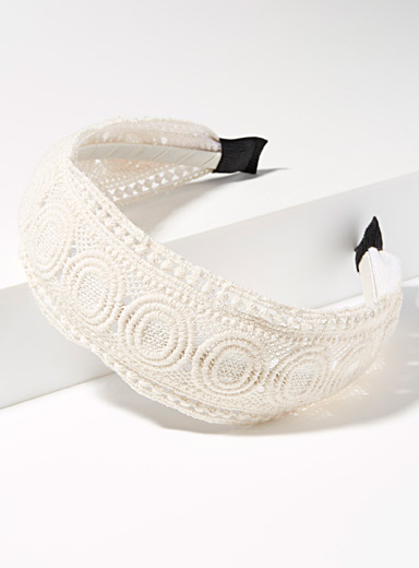 Soft lace headband