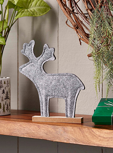 Standing deer felt decoration