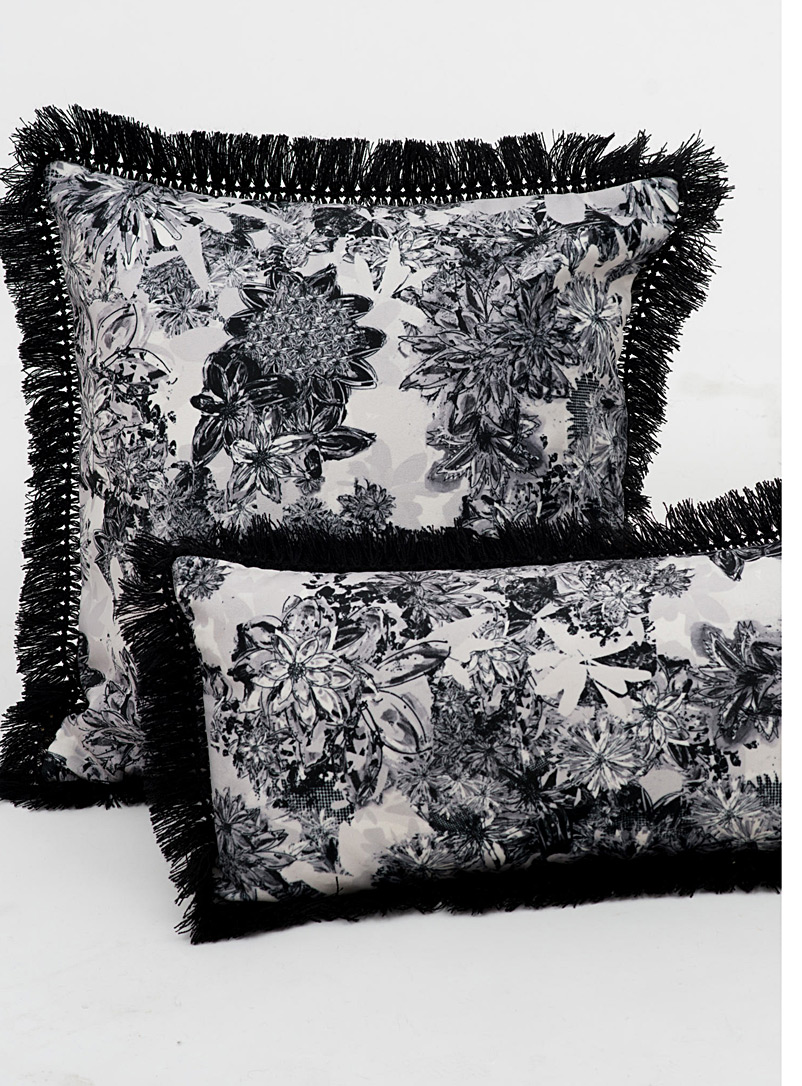 Monochrome floral cushion  18&quote; x 18&quote; - Foutu Tissu - Black and White