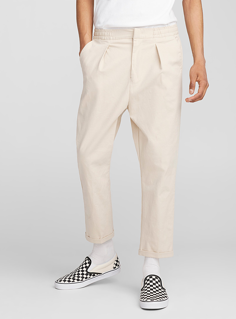 flat-pleat-chinos