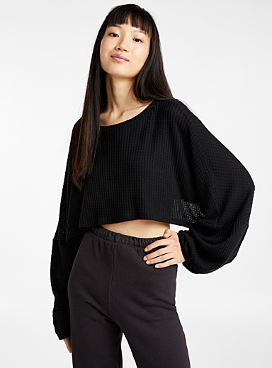 Ultra cropped loose-sleeve tee