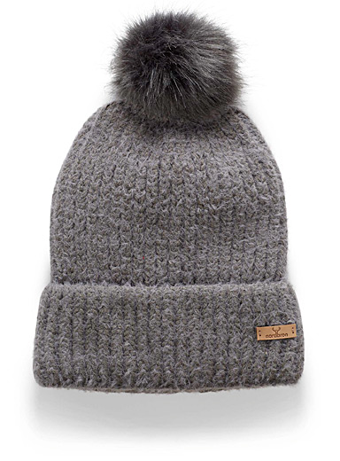 Luths fluffy knit tuque