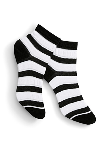 Invisible stripe ankle socks