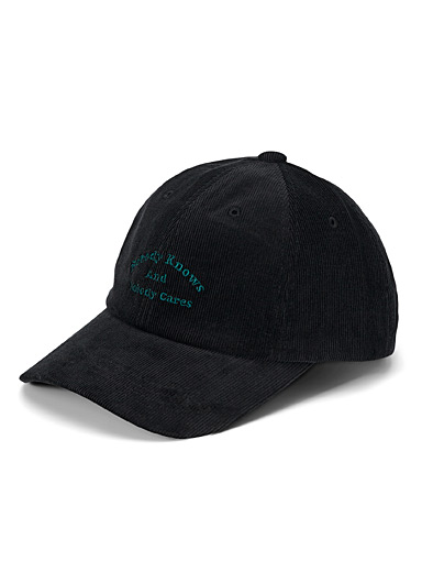 Indifferent embroidered cap