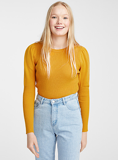 Puff-sleeve ribbed sweater
