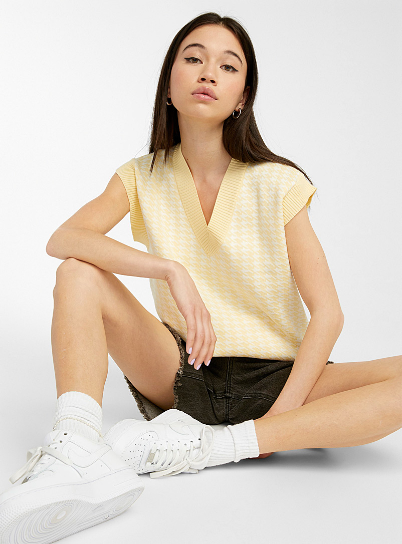 Twik Patterned Yellow Houndstooth tank for women