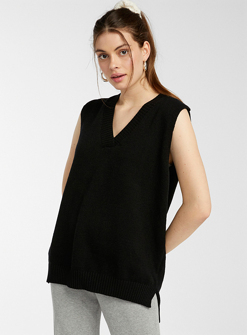 Twik Black Ultra-loose long tank for women