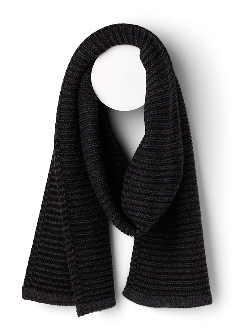 ribbed-twin-stripe-scarf