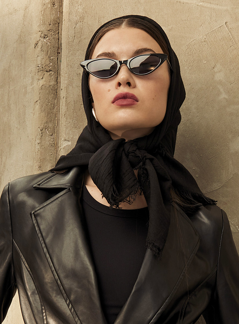 Monochrome pleated scarf - Light scarves - Black