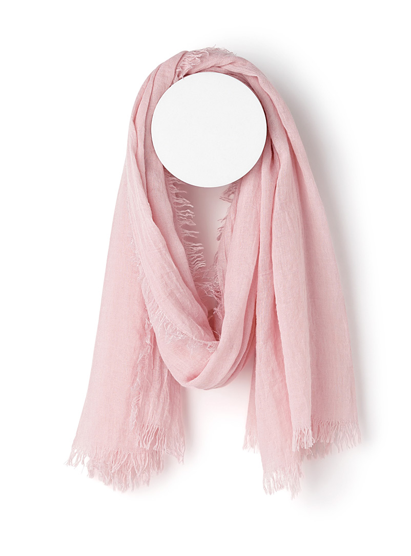 Monochrome pleated scarf - Light scarves - Pink