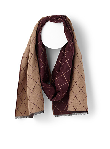 Dotted diamond scarf