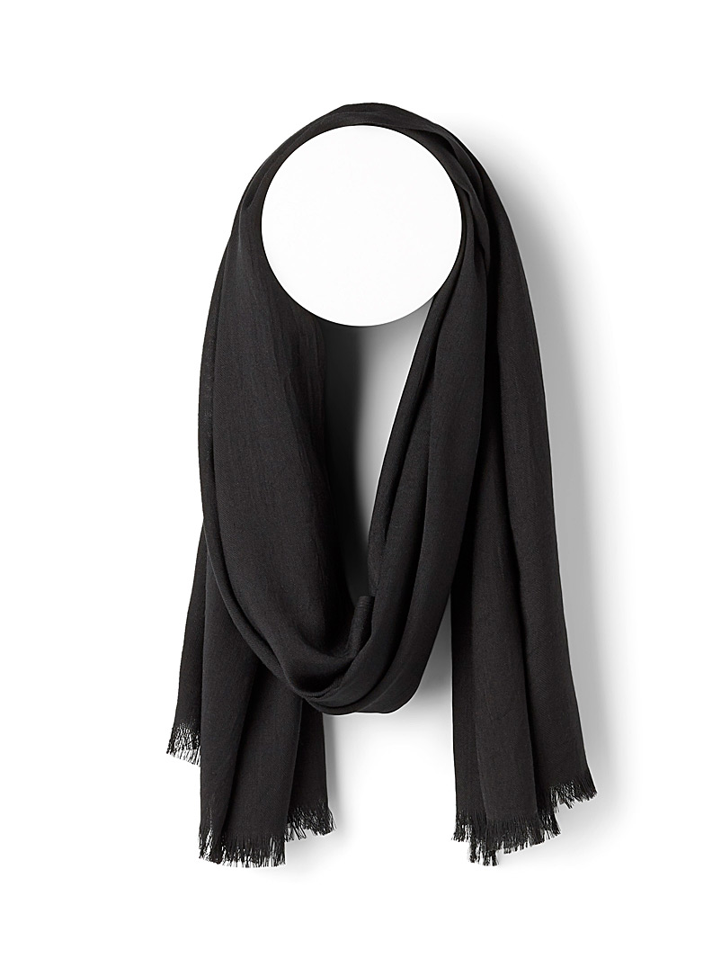 Le 31 Black Lightweight monochrome scarf for men