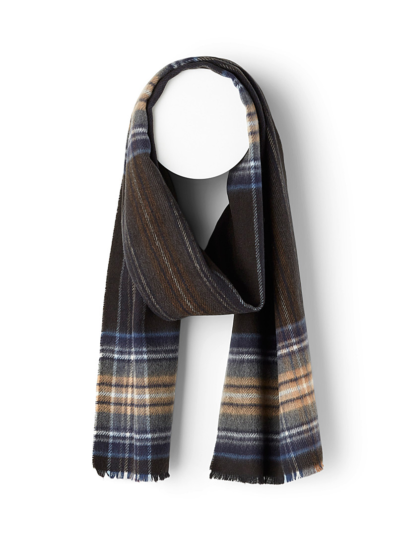 Eco-friendly tartan scarf
