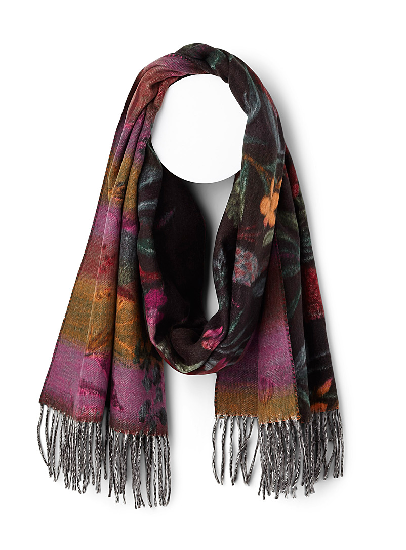 contrast-floral-scarf