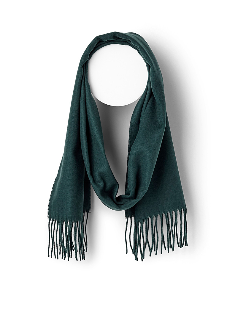 monochrome-fringed-scarf