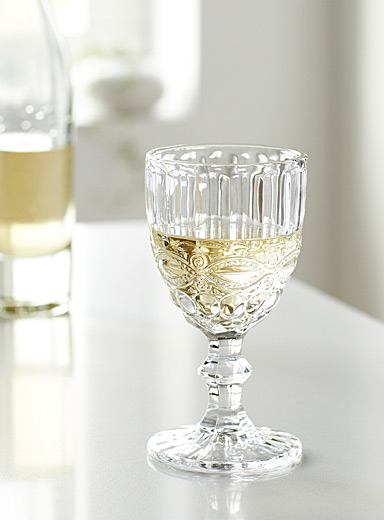 Crystalline bas-relief wine glass