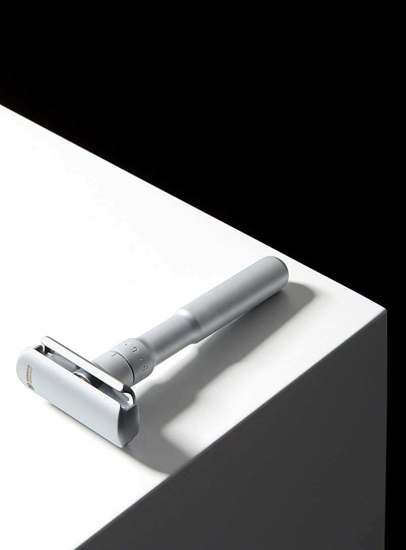 Futur matte finish safety razor