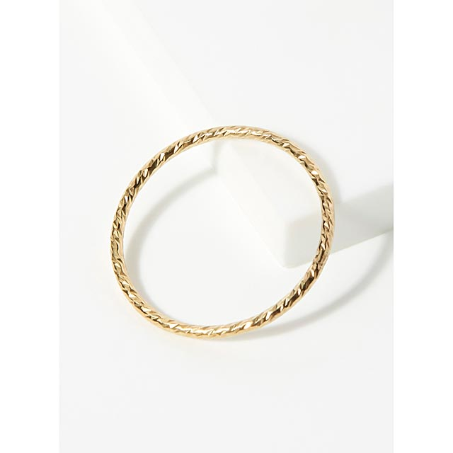 delicately-textured-ring