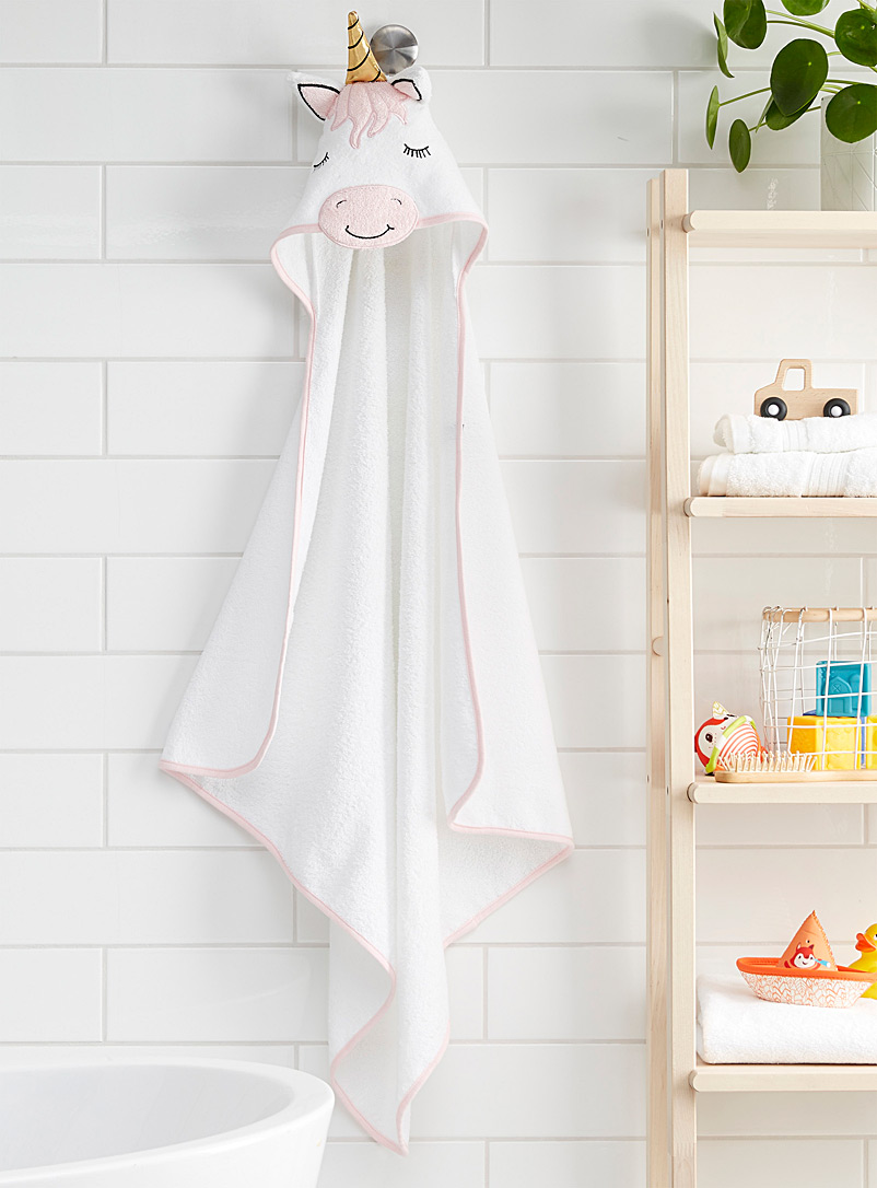 Dreamy unicorn bath cape