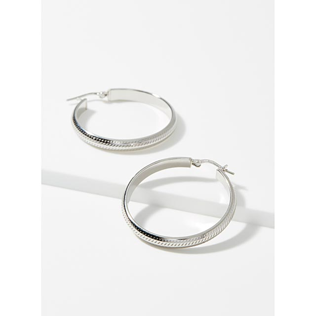 finely-textured-hoops