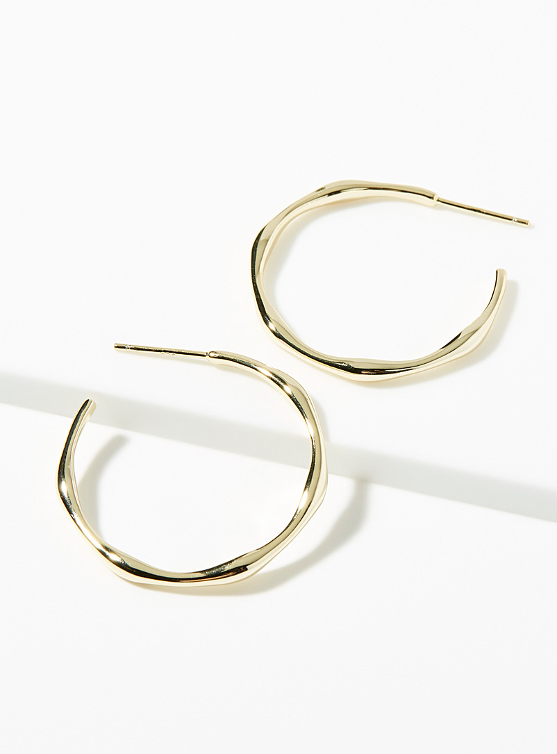 Minimalist angular hoops