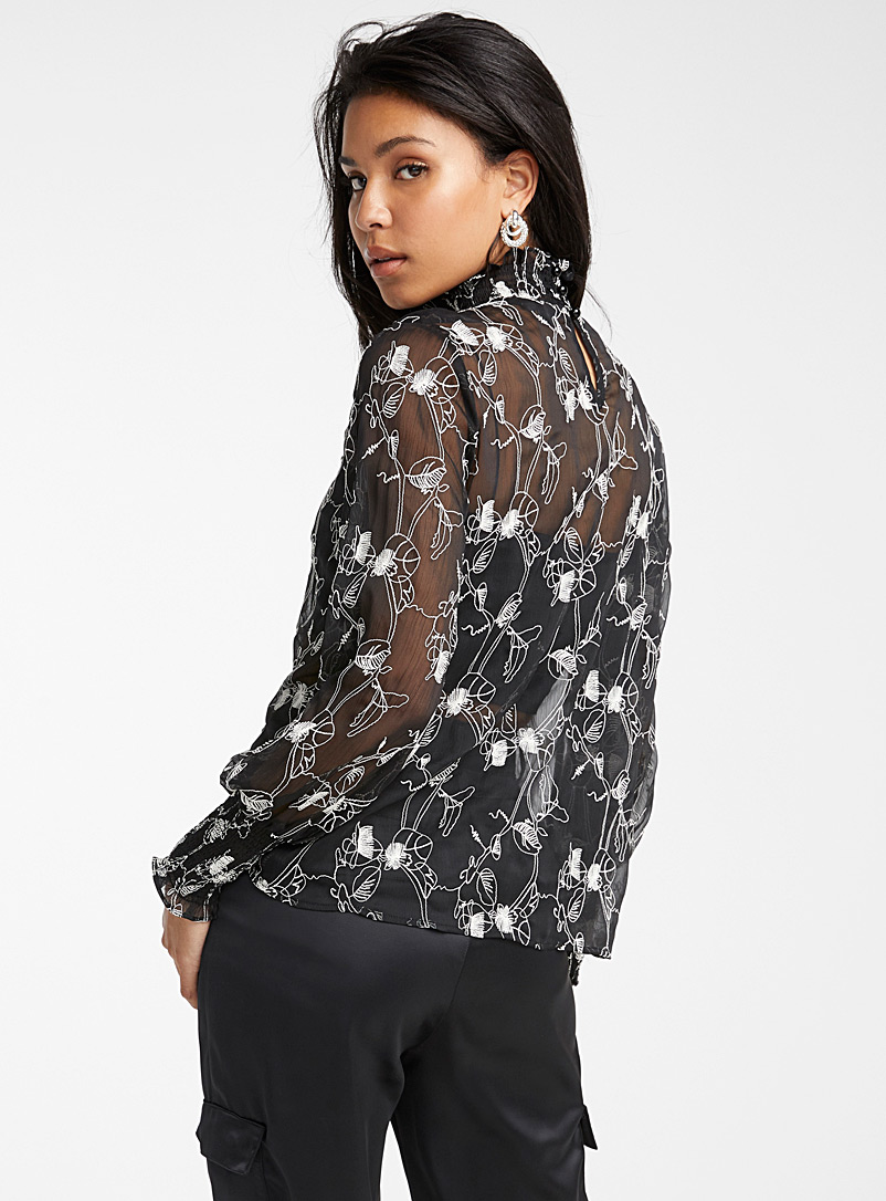 Icône Black and White Embroidered flower chiffon blouse for women
