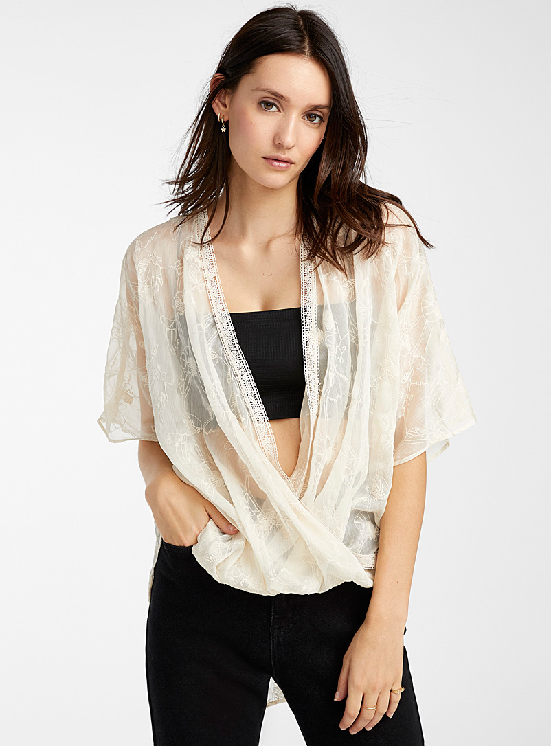 loose-embroidered-flower-draped-blouse