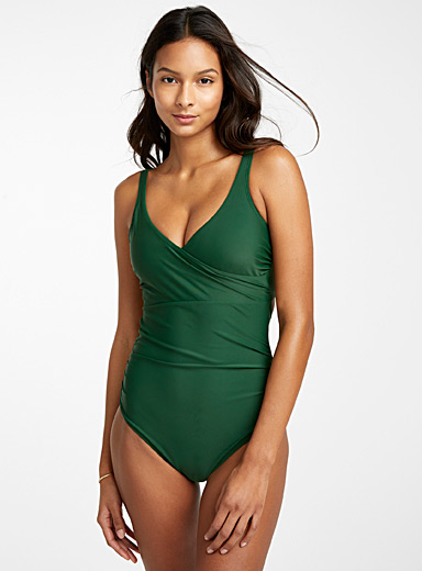 Crossover plunging one-piece