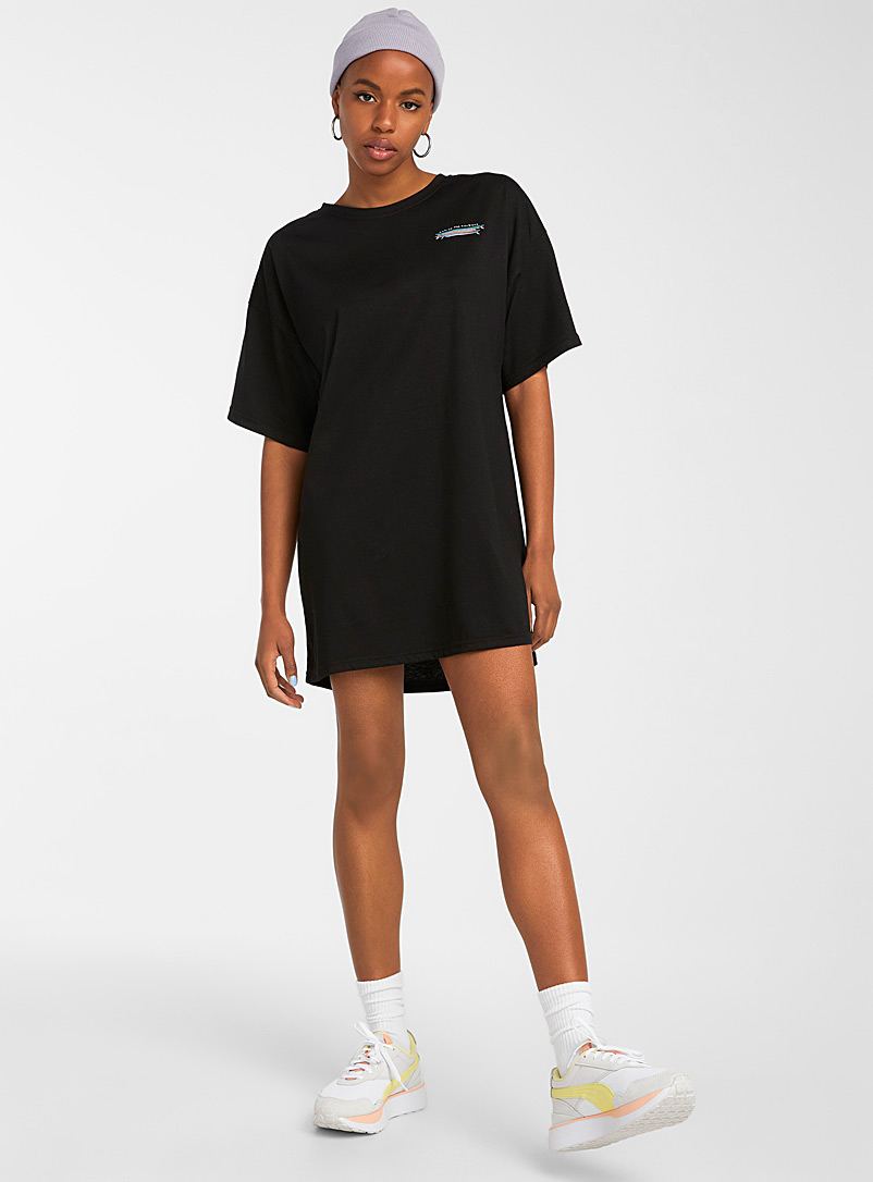 Notice The Reckless: La robe t-shirt signe shaka Noir pour femme