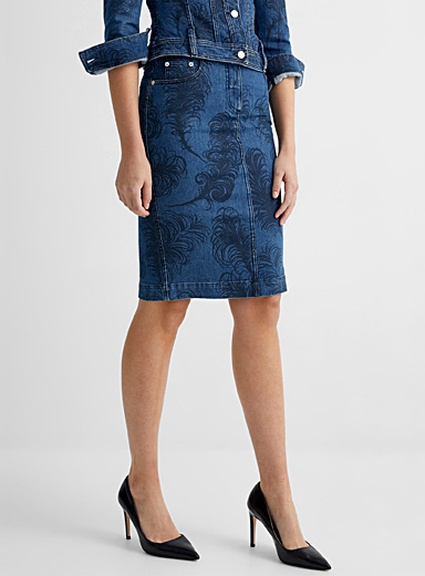 Feather-print denim skirt
