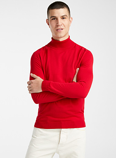 Colourful turtleneck