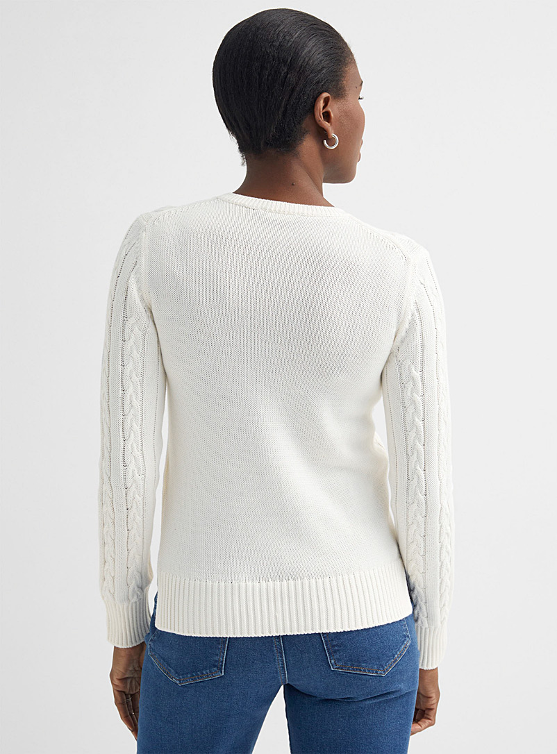 United Colors of Benetton Baby Blue Crew-neck twisted sweater for women