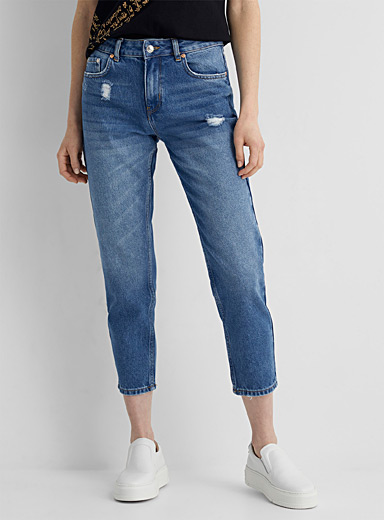 Distressed detail cropped jean