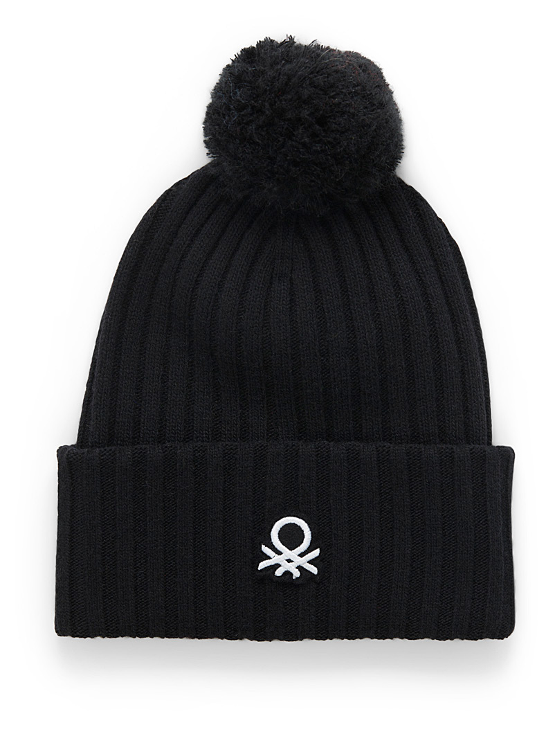 Signature pompom tuque