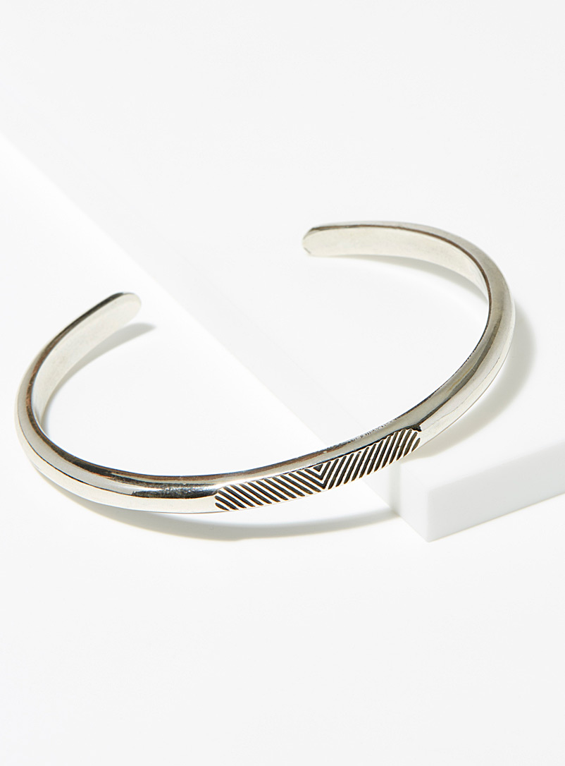 HËNKO Silver Engraved herringbone bracelet for men