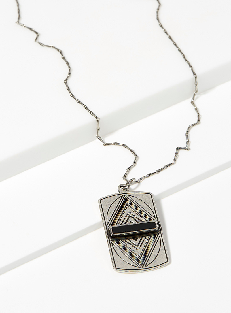 onyx-pendant-necklace