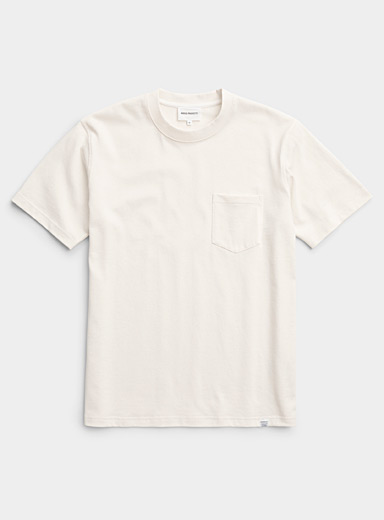 Minimalist short-sleeve pocket T-shirt