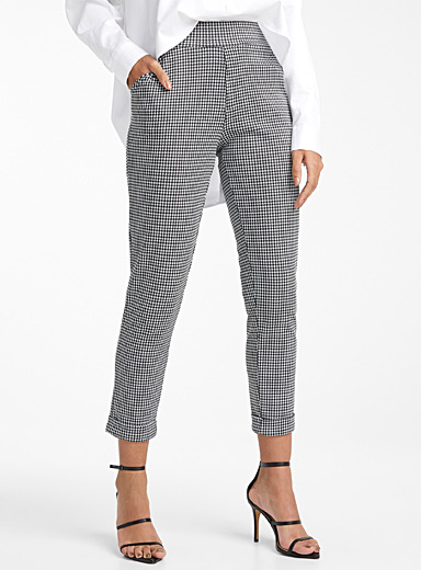 Icône Patterned Black Houndstooth cuffed pant for women